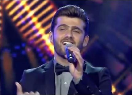 بالفيديو: عمار الكوفي يغنى أغنية باللغة الكوردية لأول مرة في عرب ايدول